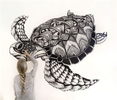incredibly detailed animal drawings  faye halliday