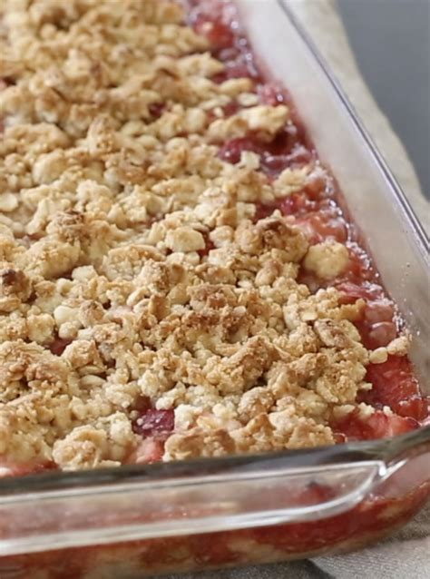 best rhubarb recipes 25 best ideas about strawberry rhubarb crisp on