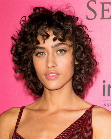 what haircut can i wear curly or blow straight 19 easy curly hairstyles how to style long medium or