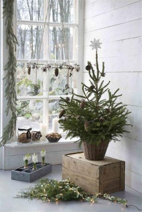 traditionelle weihnachtsbaum dekorieren ideen 35 bastelideen f 252 r fenster weihnachtsdeko