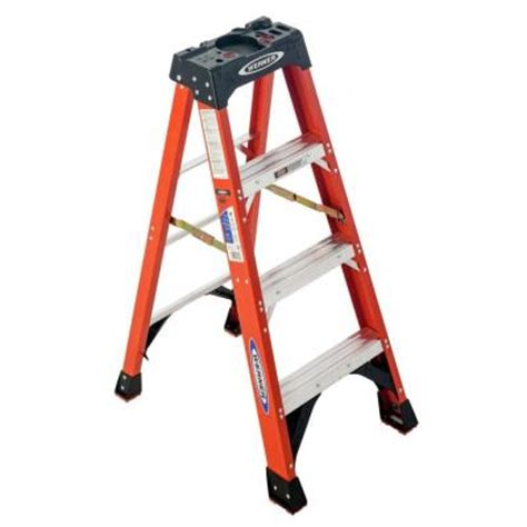 werner 4 ft fiberglass step ladder with 300 lb load
