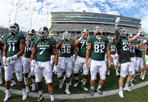 msu football student section michigan state football 5 storylines to follow during byu