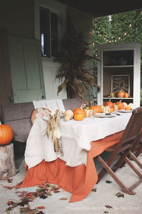 thanksgiving table decorations 55 beautiful thanksgiving table decor ideas digsdigs
