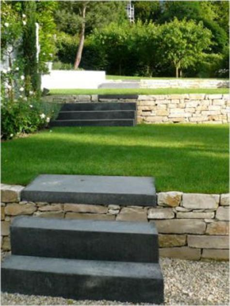 Jardins En Terrasse by Quatre Terrasses Pour Structurer Le Jardin
