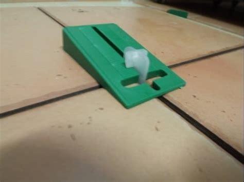 distanziatori livellanti piastrelle distanziatori livellanti per pavimenti e rivestimenti