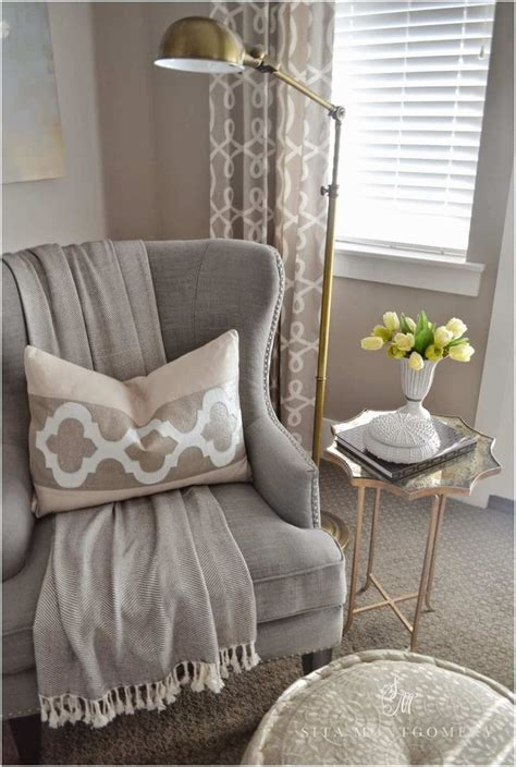bedroom table and chairs best 25 bedroom reading nooks ideas on
