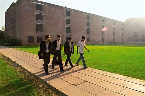 Mba In Healthcare Management In Ahmedabad by Iim A Opposes Bringing Iims Umbrella Livemint