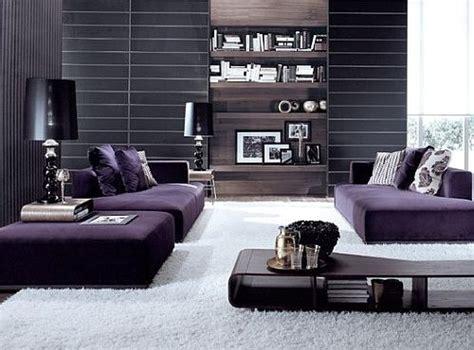 Wallpaper Sticker Dinding Garis Putih Krem Pink ide padupadan warna ungu pada interior ruang tamu kecil