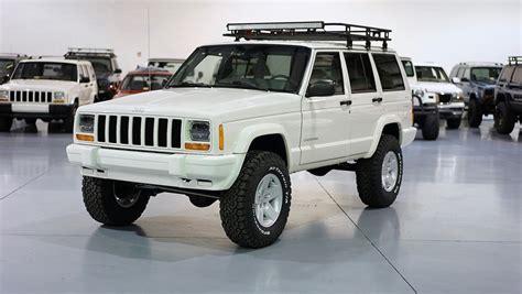 jeep cherokee sport white 1999 jeep cherokee xj sport 4l na prodej