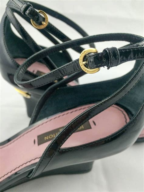 Beli 1 Gratis 1 Sale Wedges Louis Vitton A13 29 louis vuitton strawberry wedges sandals 2009 for sale at 1stdibs