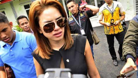 pemain film laga wanita kaleidoskop 2015 nikita mirzani dan skandal prostitusi