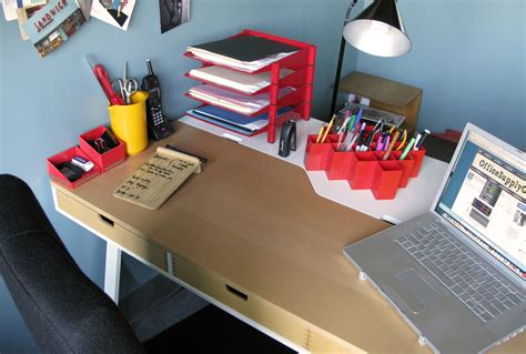 office desk supplies what s on their desk gwen weinberg head designer and