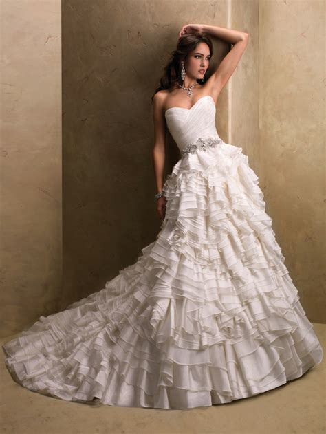 Corset Top Wedding Dresses by Top 10 2013 Wedding Dress Style Corset Bodices 5