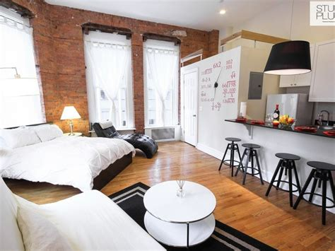 How To Decorate A Studio Apartment In Nyc by 17 Best Ideas About New York Apartments On New
