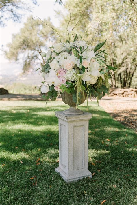 Wedding Aisle Pedestal pedestal aisle wedding flowers elizabeth designs