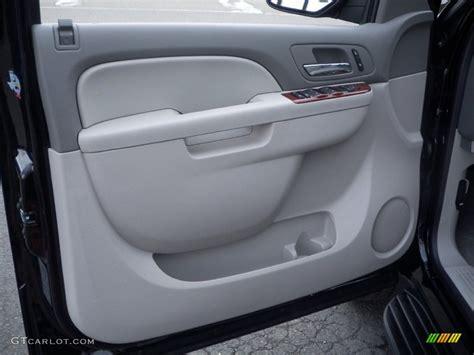 Interior Door Panels Chevy 2009 Chevrolet Suburban 2500 Remove Door Panel 2004 Chevrolet Avalanche 2500 Remove Driver