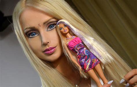 russian real life barbie valeria lukyanova russian barbie doll valeria lukyanova comes from outer space