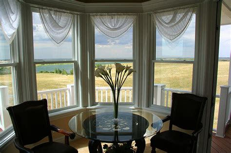 dining room bay window treatment ideas