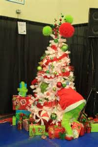 grinch christmas tree on pinterest whoville christmas