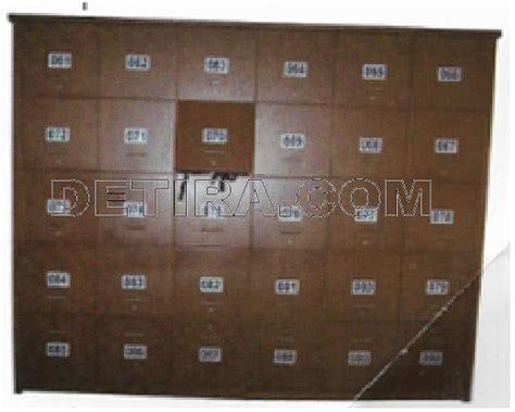 Lemari Loker Kayu loker kayu detira dot detira dot