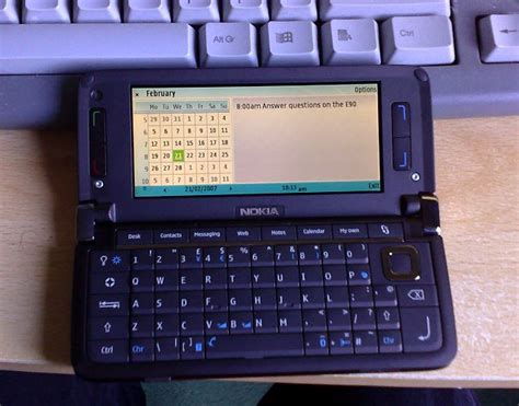 Nokia E90 Communikator ponsel nokia e90 communicator banyak yang mengincar
