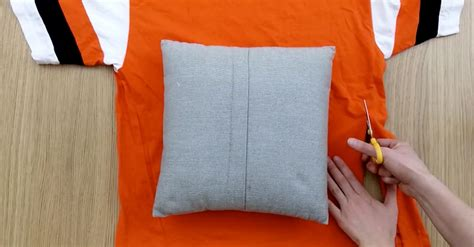 make a diy pillow cover without sewing