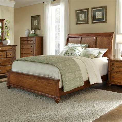 golden oak bedroom furniture broyhill furniture hayden place eastern king sleigh bed