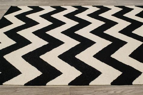 Black And White Striped Area Rug Amazoncom Lavish Home And White Striped Area Rug