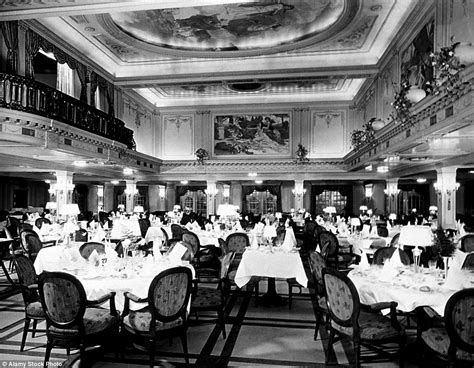 photos reveal on board 19th century cruise ships - 1920 Speisesaal Set