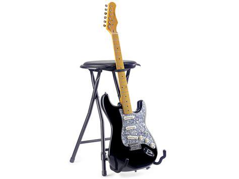 sgabelli per chitarra sgabello per chitarrista con reggichitarra universale