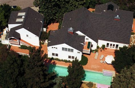 mike myers vermont mike myers beverly hills celebrity homes lonny