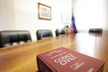 permesso di soggiorno per convivenza notaio per stranieri consulenza su carta e permesso soggiorno