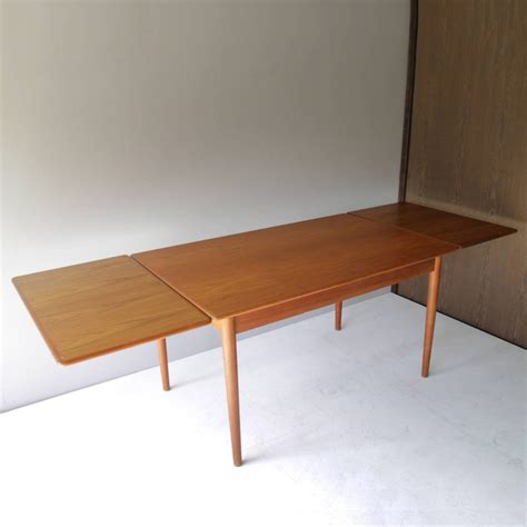 teak dining room furniture danish teak dining room table with two leaves at 1stdibs