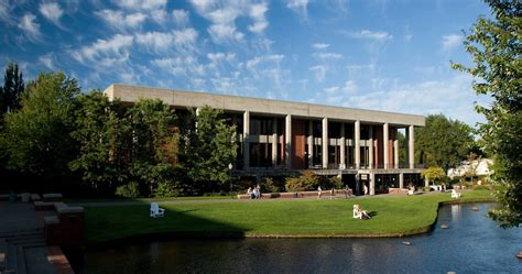Willamette Mba Course Schedule by Tuition Fees Financial Aid