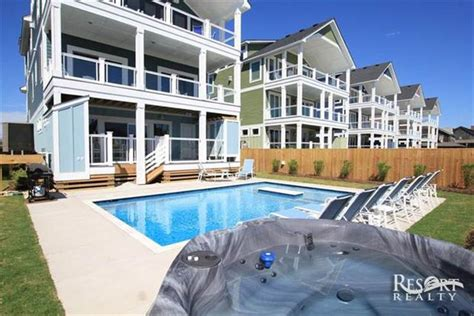Luxury Outer Banks Rental Homes 8 Bedroom Oceanfront Houses For Rent In Nags Nc