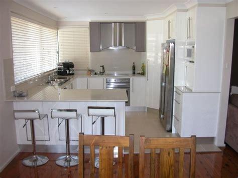small u shaped kitchen with island best 25 small u shaped kitchens ideas on pinterest u