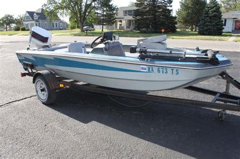 thunderbolt boat 15 ft bass fishing boat 1988 thunderbolt price reduced