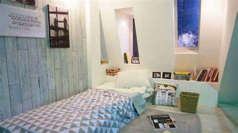 warna cat dinding  mengelabui kamar kost sempit