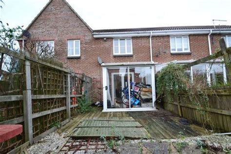 2 bedroom house bournemouth 2 bedroom terraced house for sale in saffron way