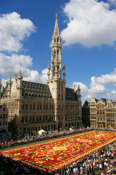 Tapis De Fleurs Grand Place by Le Tapis De Fleurs Sur La Grand Place De Bruxelles