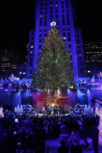nbc tree lighting in rockefeller center 2013 live see the