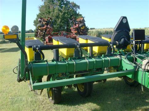 deere 6 row vacuum planter 7200 maxemerge 2 tct