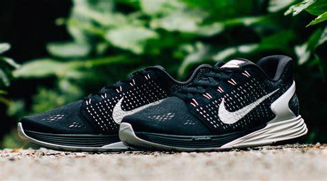 Sepatu Nike Lunarepic nike lunarglide flyknit sort
