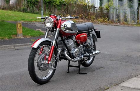 Motorrad Youngtimer Suzuki by Suzuki Motorr 228 Der Alle Old Und Youngtimer Auf Nippon