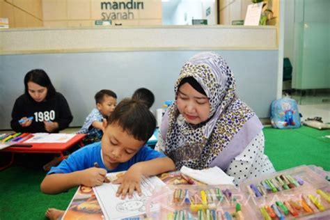 membuat anak konsentrasi dalam belajar kebiasaan ibu yang bisa membuat anak rajin belajar educenter