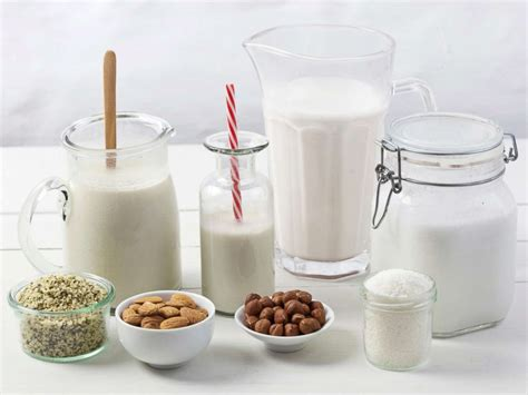 pros and cons of plant based milks is a plant based milk