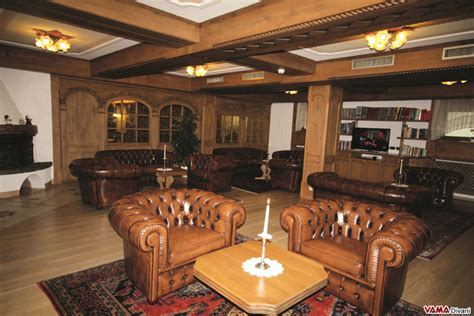 divani chesterfield roma divani chesterfield roma divano pelle marrone usato