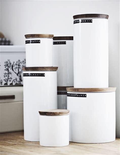 ikea kitchen canisters ikea hilft gut beim ordnung halten und sieht sch 246 n