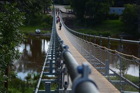 souris swinging bridge the souris suspension bridge is about to swing back into