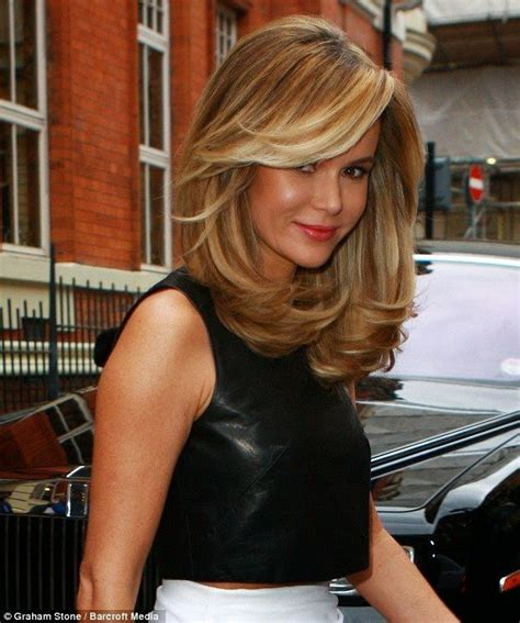 how to cut hair with feathing and bangs short long bob flip wavy feather hair cut womenitems com